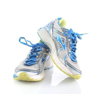 Brooks Adrenaline GTS 15 Womens Running Shoes